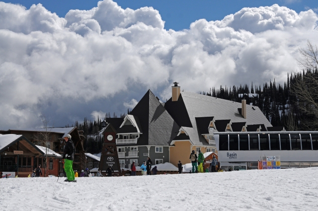 Schweitzer_VillageDAY