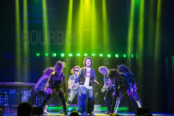 Galen_Disston_(center)_of_Seattle_band_Pickwick_stars_as_Drew_in_Rock_of_Ages_at_The_5th_Avenue_Theatre_-_Photo_Credit_Tracy_Martin-600x400